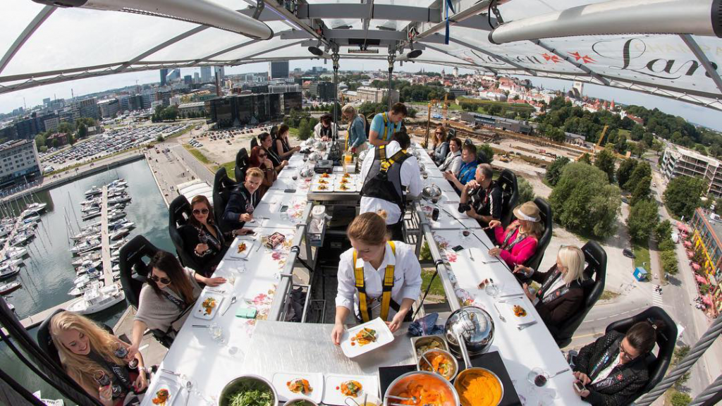 special occasions restaurant organizes your events in the sky