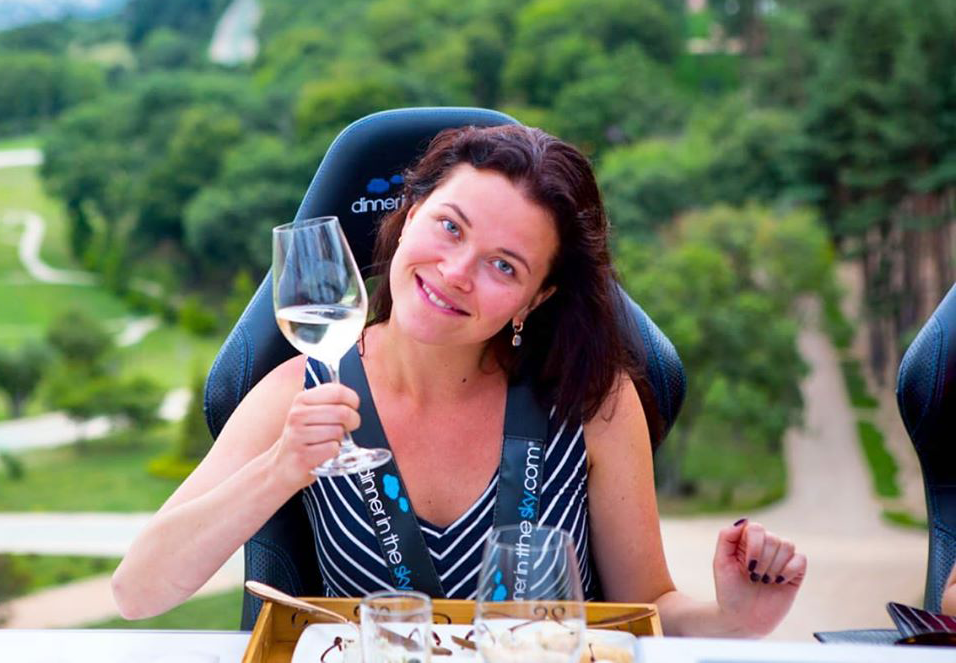 unlimited Georgian wine at Dinner in the Sky